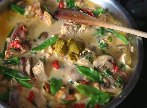 thai kitchen green curry paste chicken recipe recipe green thai coconut milk curry chicken honest 9792