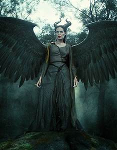 """Witch Crafts: ANGELINA JOLIE'S COSTUME FOR """"MALEFICENT"""""""