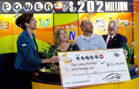 Learn how to play, and don't forget you can always. Iowa couple claims $202 million Powerball jackpot - New ...