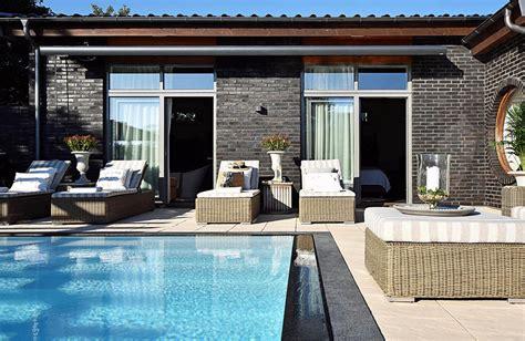 dream house  sale  luxury pool  river life