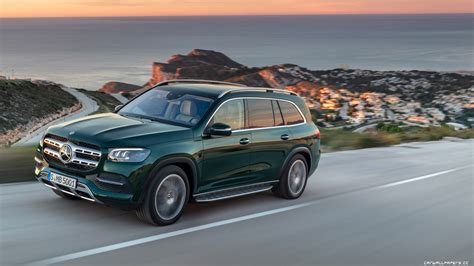 It's a novel, and after reading it, your brain needs a vacation. Cars desktop wallpapers Mercedes-Benz GLS 580 4MATIC - 2019