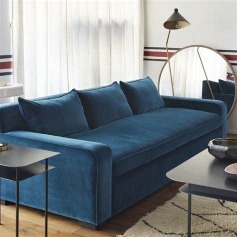 canape lune 1000 idées à propos de canapé en velours bleu sur