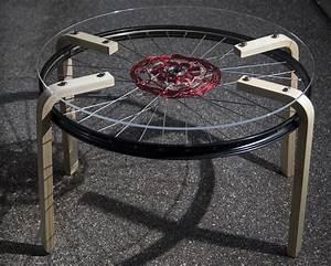Roue Table Basse : cr er des tables basses avec des roues de v lo ~ Teatrodelosmanantiales.com Idées de Décoration