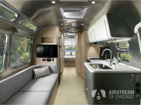New 2019 Airstream RV Globetrotter 27FB Travel Trailer at
