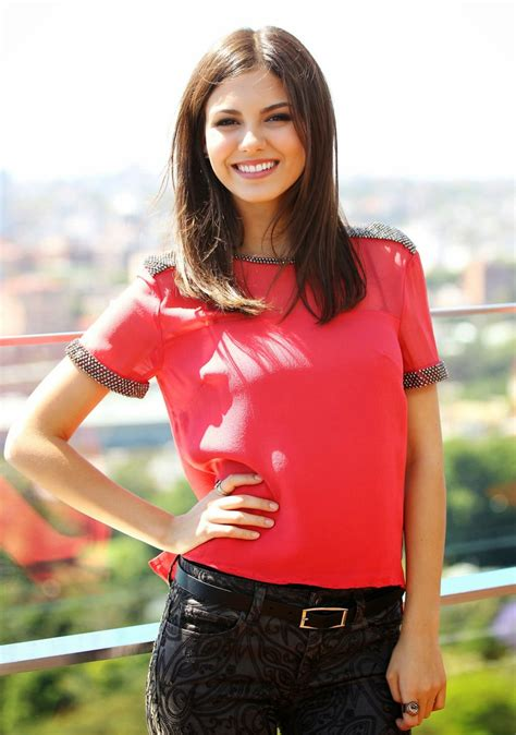 victoria justice pictures gallery  film actresses
