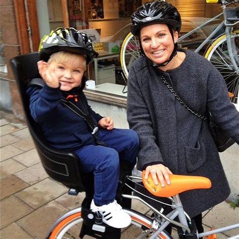 baby strler lustig porteur ambassador caroline dinkelspiel on porteur bike with bobike maxi exclusive seat