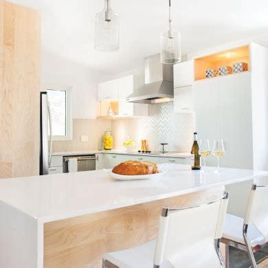 cuisine mi bois cuisine blanche et lumineuse cuisine avant après décoration et rénovation pratico pratique