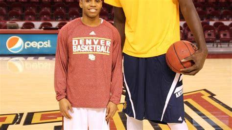 photo shortest  tallest player  college basketball