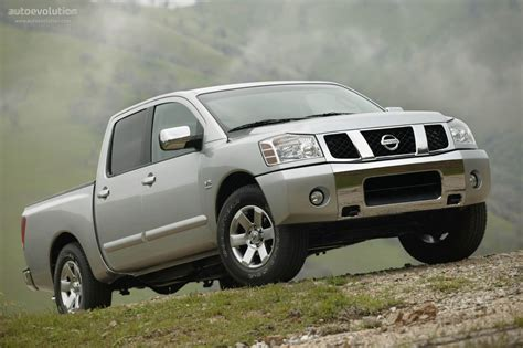 Nissan Titan Crew Cab Specs & Photos