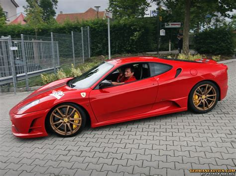 Cars With Gold Rims : Red Car With Gold Rims Find The Classic Rims Of Your