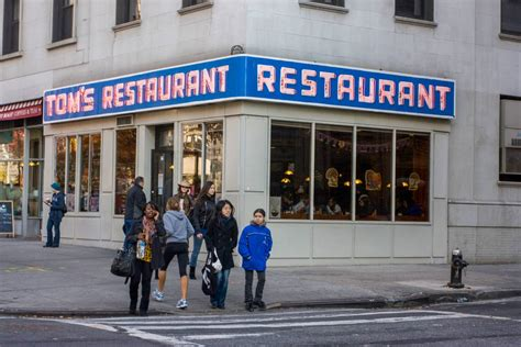 visit nyc seinfeld locations toms restaurant kramers