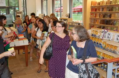 Ru Barnes And Noble by Rutgers Barnes Noble Superstore Opens With A Flurry Of
