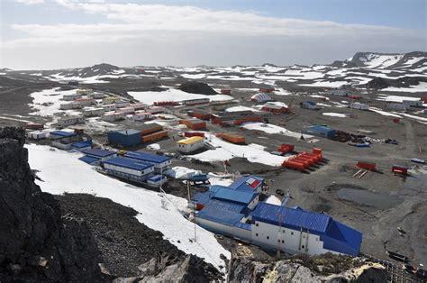 Forschungsstation In Der Antarktis by Umweltmonitoring Auf King George Island Umweltbundesamt