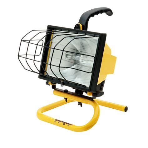portable halogen work light southwire 500 watt portable halogen work light l20sw the