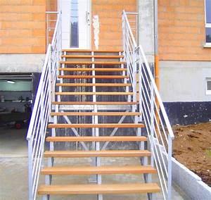 Escalier Exterieur Metal : escalier ext rieur avec limon en ipn metal concept ~ Voncanada.com Idées de Décoration
