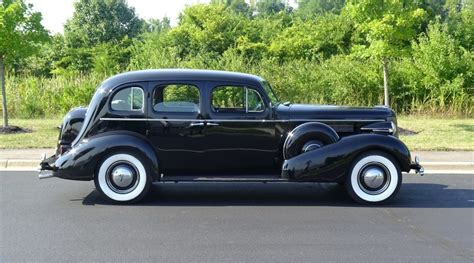 Classic Car Limo Service renting a classic car service for your wedding cleveland