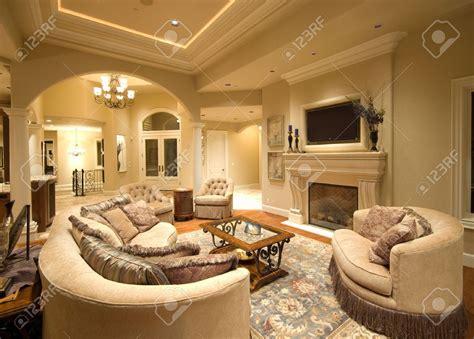 cuisine salon int 195 169 rieur de la maison de luxe avec chemin 195 169 e et tv interieur villa luxe