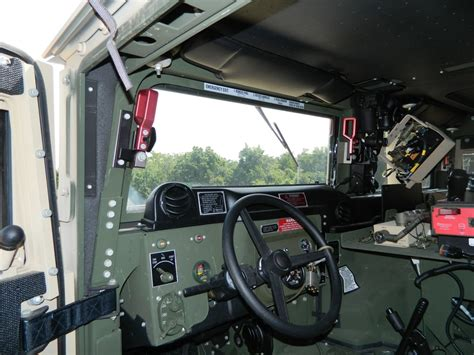 armored humvee interior armorama m1165 vs m1151