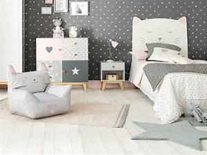 la deco chat dans une chambre d39enfant joli place With affiche chambre bébé avec fauteuil fleur design