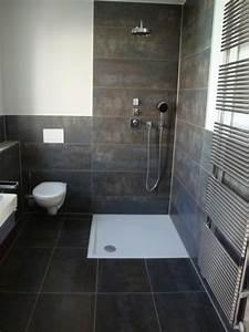 Bad Renovieren Fliesen überkleben : bad sanieren ideen ~ Frokenaadalensverden.com Haus und Dekorationen