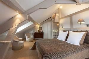 un grand lit sous les combles chambre pinterest With idee deco pour maison 6 peinture idee deco pour chambre denfant