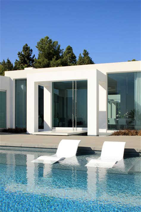 minimalist modern dream home materialized  beverly hills