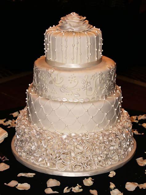 ivory wedding cake ideas  pinterest ivory