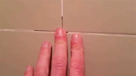 Voegen badkamer vervangen - YouTube