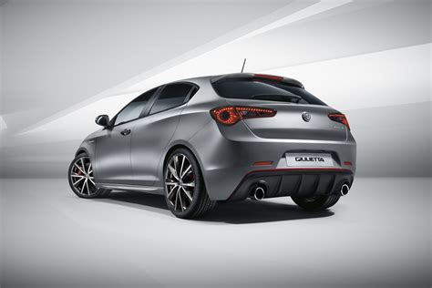 si鑒e auto sport black facelifted alfa romeo giulietta debuts with modest updates