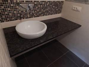 Waschbecken Arbeitsplatte Bad : arbeitsplatte badezimmer waschtisch wir verkleiden b der mit granit und verlegen granitfliesen ~ Markanthonyermac.com Haus und Dekorationen