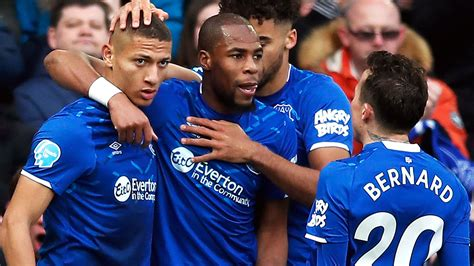 Everton is located at 37°20′37″n 93°42′9″w / 37.34361°n 93.7025°w / 37.34361; Match Report - Everton 3 - 1 C Palace   08 Feb 2020