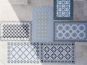 Set De Table Carreau De Ciment : set de table carreaux de ciment mosaique pinterest saint tropez ciment et napperon ~ Teatrodelosmanantiales.com Idées de Décoration