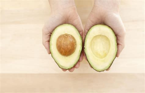 How To Pick The Perfect Avocado For Your Baby