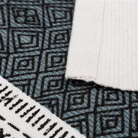 tapis motifs ethniques turquoise 60 x 90 cm