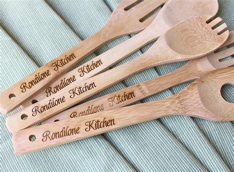 personalized mom  custom kitchen wooden spoons  birthday