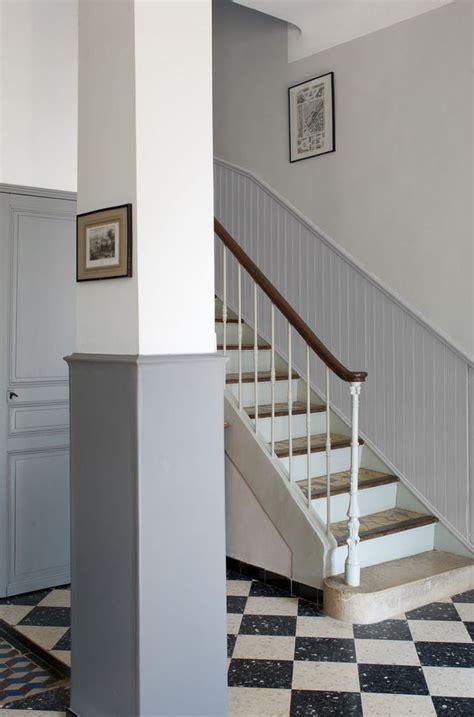 relooker une cuisine rustique en moderne peinture bien marier le gris dans la déco côté maison
