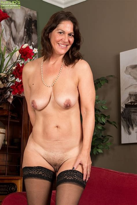 Mature Kaysy getting undressed 66450