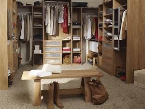 Le Roy Merlin Dressing : tout savoir sur le dressing et bien le choisir habitatpresto ~ Mglfilm.com Idées de Décoration