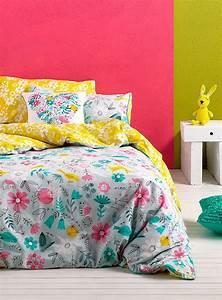 les 25 meilleures idees de la categorie couvre lit floral With tapis chambre bébé avec abonnement bouquet fleurs