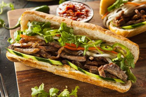 cuisine vietnamienne this pork sandwich is packed with flavor 12