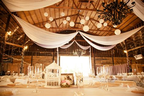 Barn Wedding Decorations : Northern California Barn Wedding