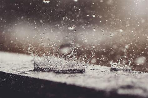 Raindrops Falling in Water