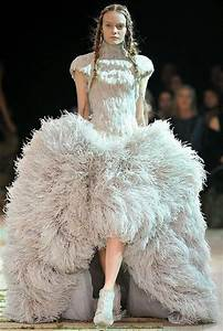 Sarah Burton of Alexander McQueen to design Kate Middleton ...