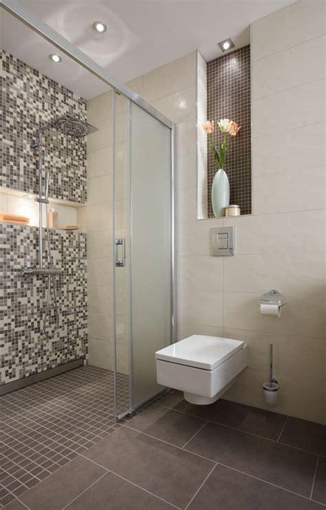 Badezimmer Fliesen Toilette by Die Besten 20 Wc Fliesen Ideen Auf Kleine