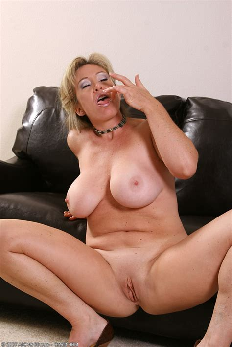 Sexy Mature Nude Anita From All Over