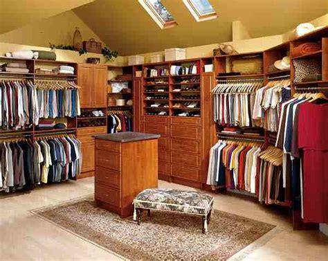 walk in closet sizes dimensions info