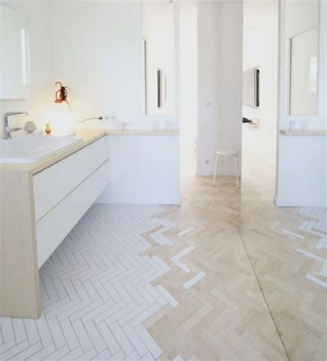 Badezimmer Fliesen Verlegerichtung by Badezimmer Fischgrat Verlegmuster Wei 223 E Farbe Bad Bathroom