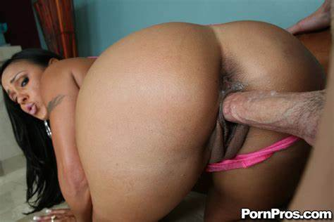 Her Attractive Booty Was Eaten Brazilian Housewife Nympho Mariah Milano Taking Spunk On Her Ass