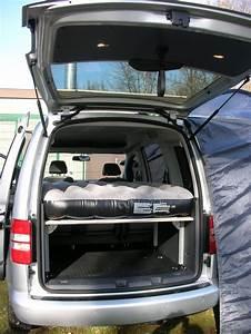 Bett Für Auto : bett mit luftmatratze bett f r vw caddy und maxi inkl tisch campingbett caddybett biete ~ Markanthonyermac.com Haus und Dekorationen