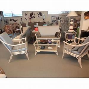 Salon En Rotin : salon en rotin coloris nacre bas dossier comprenant un canap 2 places et 2 fauteuils ~ Teatrodelosmanantiales.com Idées de Décoration